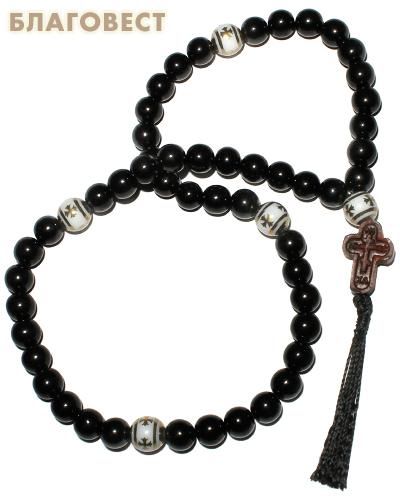 Четки из гагата с крестом из самшита (50 зерен)